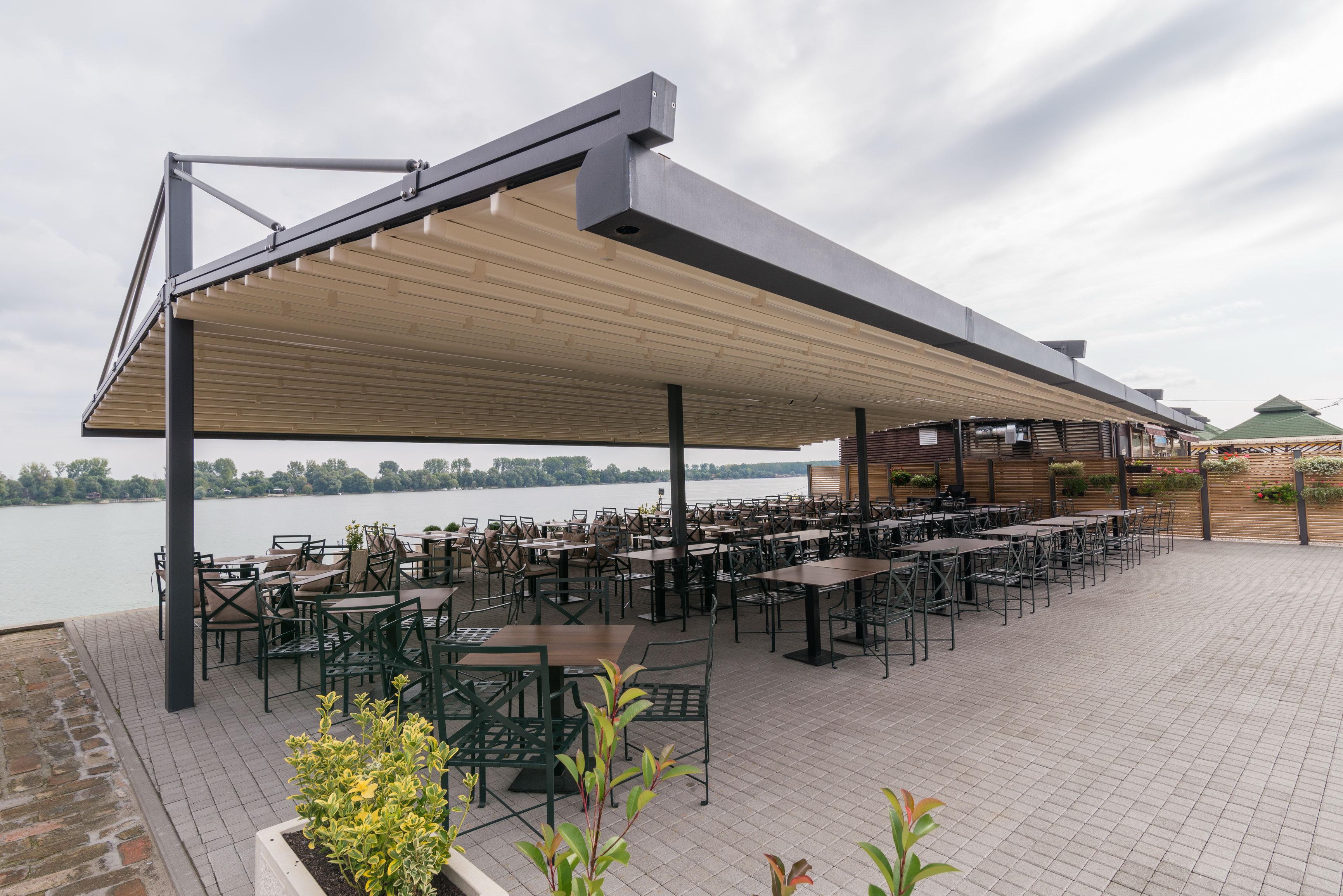 Tricollore Restoran, Zemunski kej